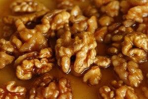 для чего полезен мед и грецкий орех