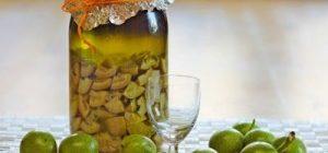 Настойка зеленого грецкого ореха