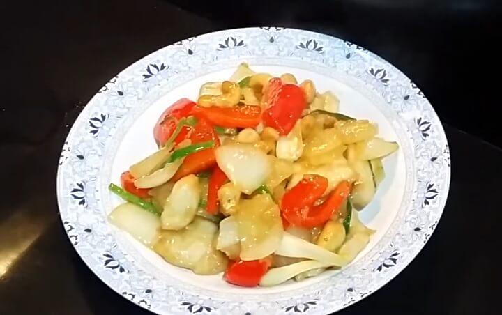 салат с кешью